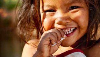 Help kinderen natuurgeweld te overleven, doe mee aan het Gouden Kronen Plan!