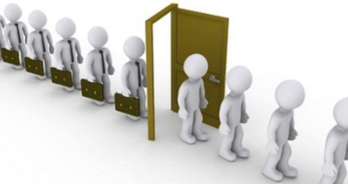 Moeten huidige medewerkers bij praktijkovername of –voortzetting in dienst worden genomen?