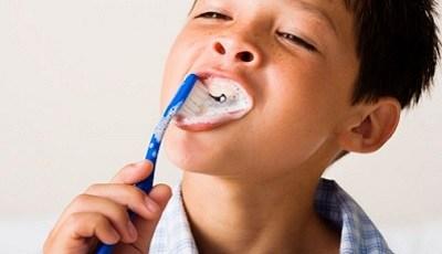 Creatief spel waar peuters leren tandenpoetsen