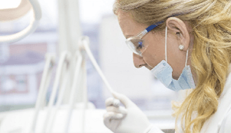 Lucht in tandartspraktijken mogelijk slecht voor gezondheid