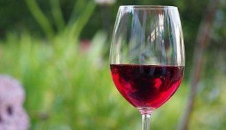 Drinken rode wijn goed voor mondgezondheid
