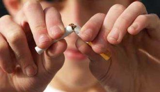 Protest tegen tabaksindustrie overhandigd