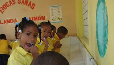 Mondgezondheid-bij-schooljeugd-in-Dominicaanse-Republiek