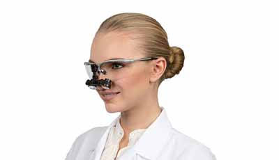 Veel tandartsen dragen hun loepbrillen verkeerd