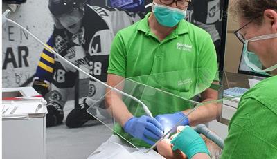 Beschermkap-plexiglas-mondzorg