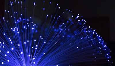 Het biomimetisch gebruiken van `short fibers` voor elimineren stress in gebitselementen